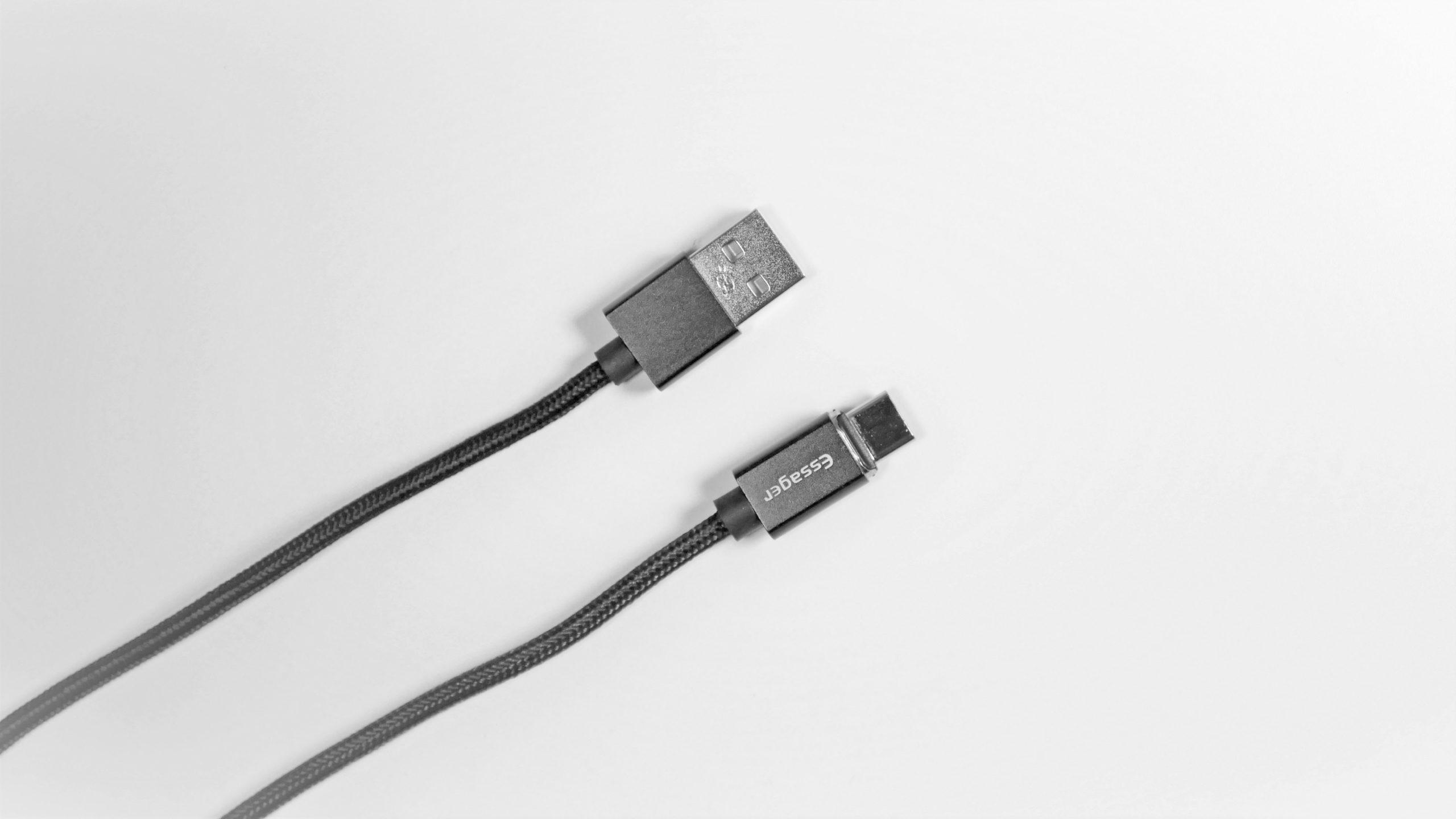 マグネット充電器 ケーブル 端子