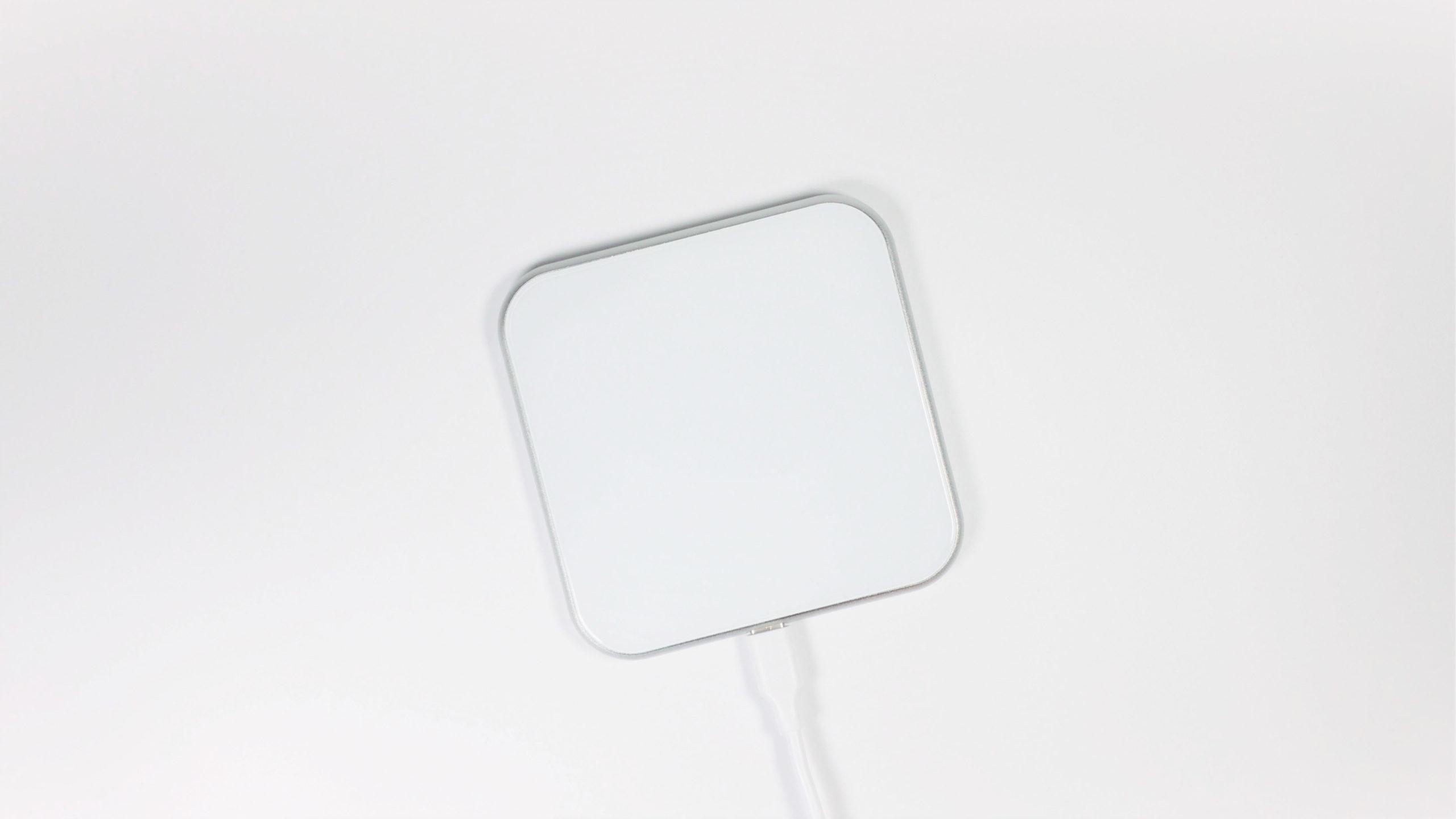 iphone デザイン ワイヤレス充電器