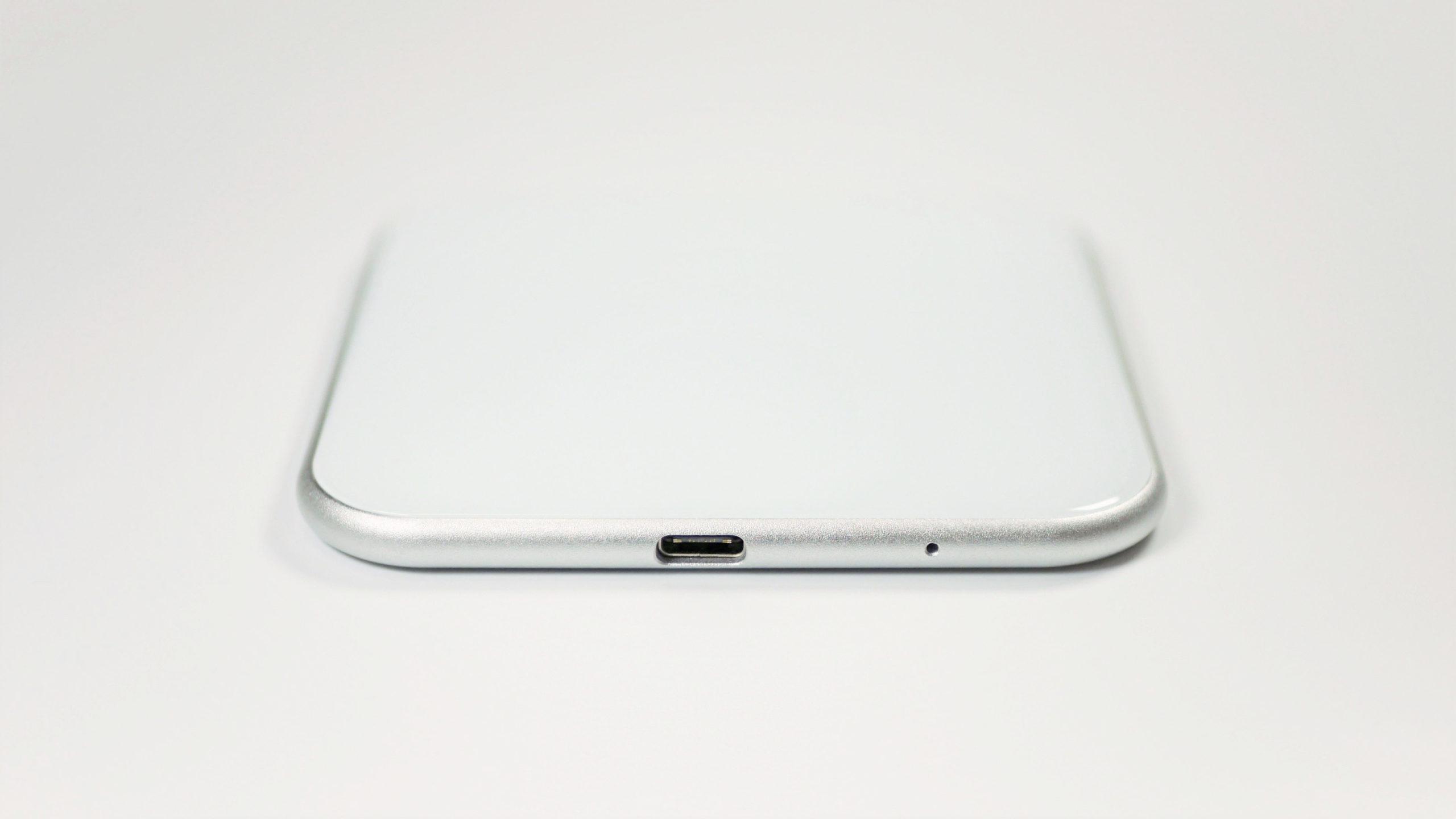 iphone ワイヤレス充電器 薄い